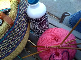 Knitting in the paek